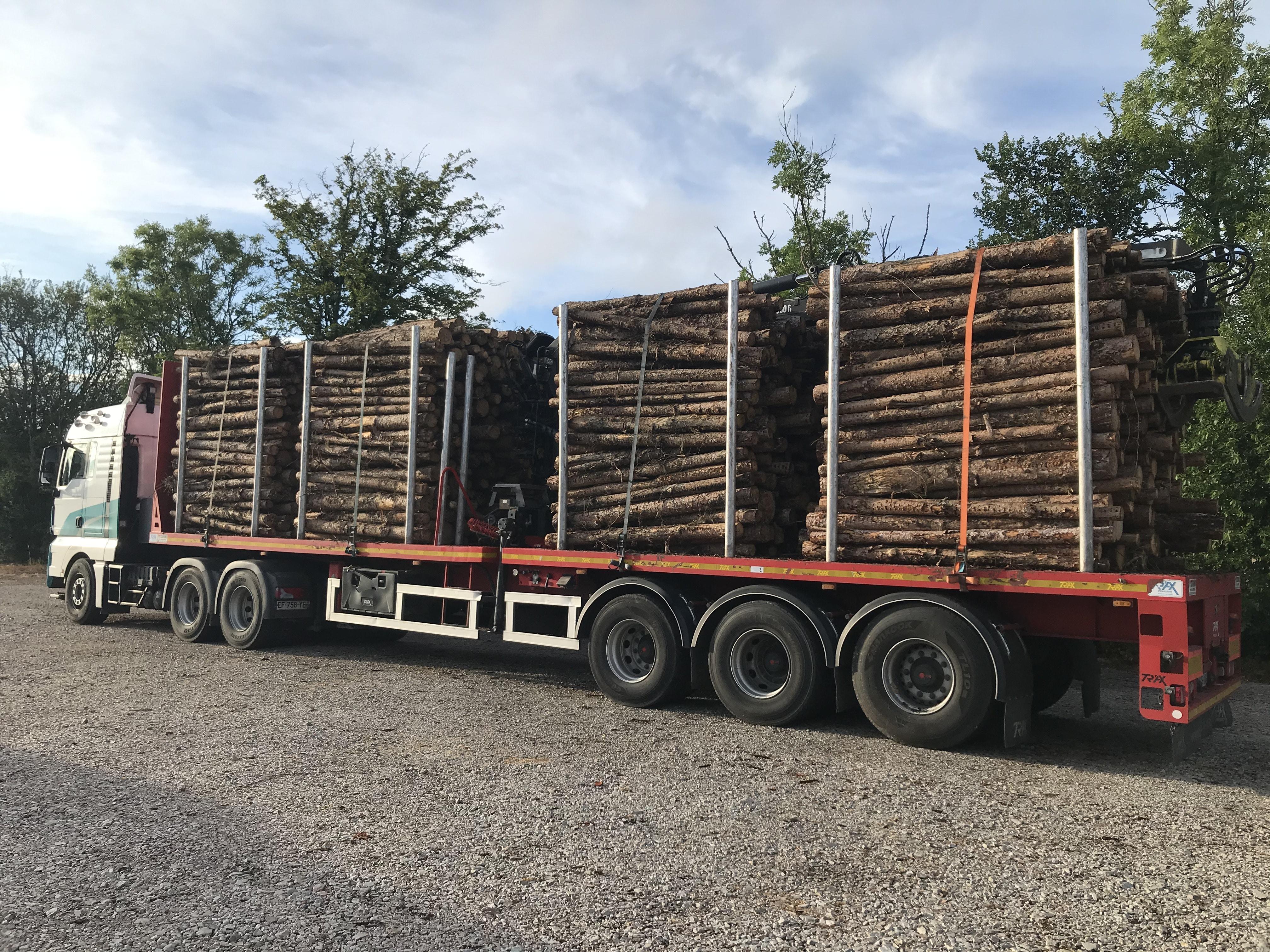 trax-jonsered-grue-forestier