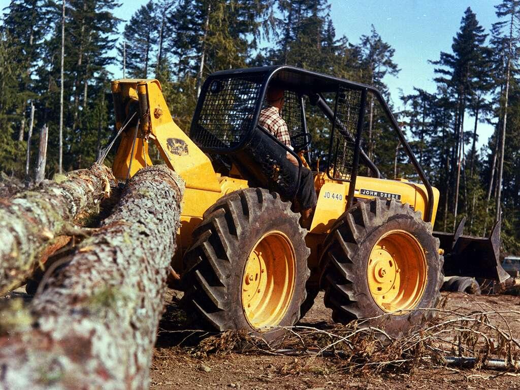 Débusqueuse série 200 Timberjack - 1961